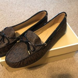 New Ladies Michael Kors loafers shoes sz 10 brown